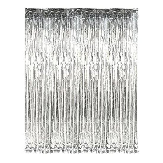 parti-zavesa-srebristi-resni-luskava